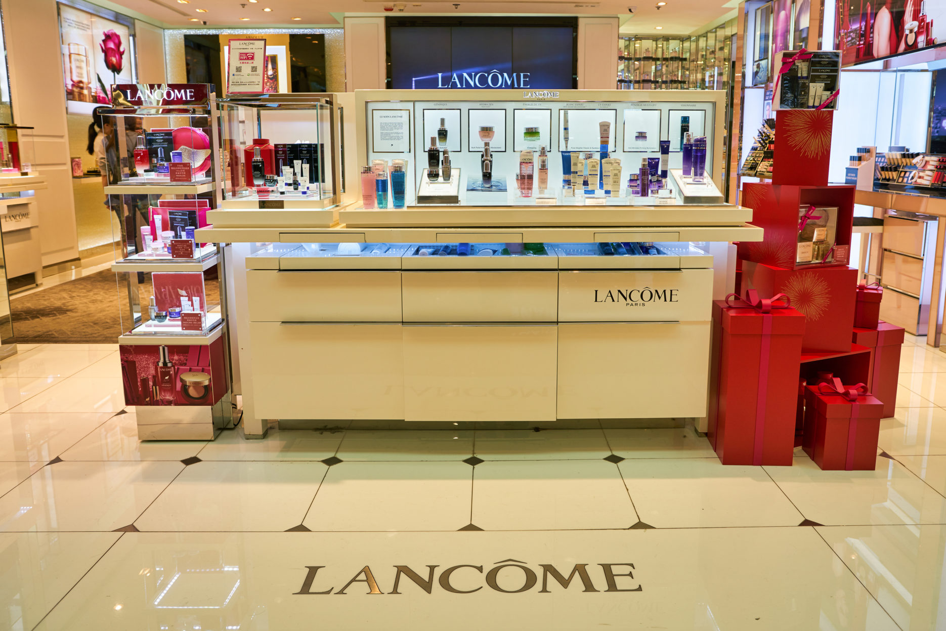 Lancome store front