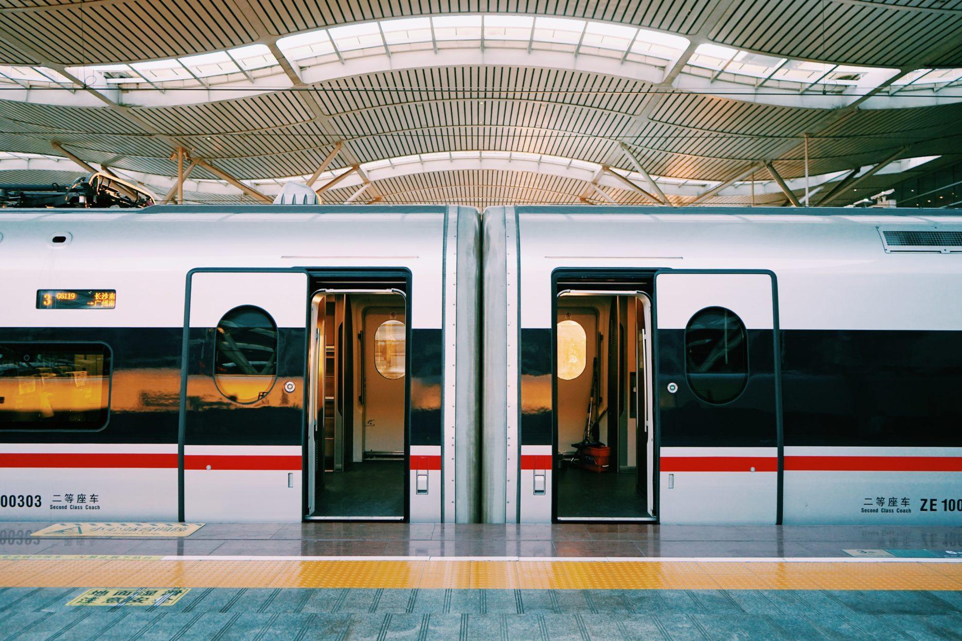 China train travel increasing during National Holiday