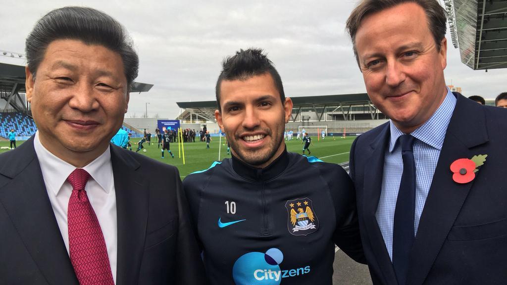 Xi Jinping and David Cameron enjoy football